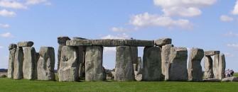 800px-Stonehenge2007_07_30_