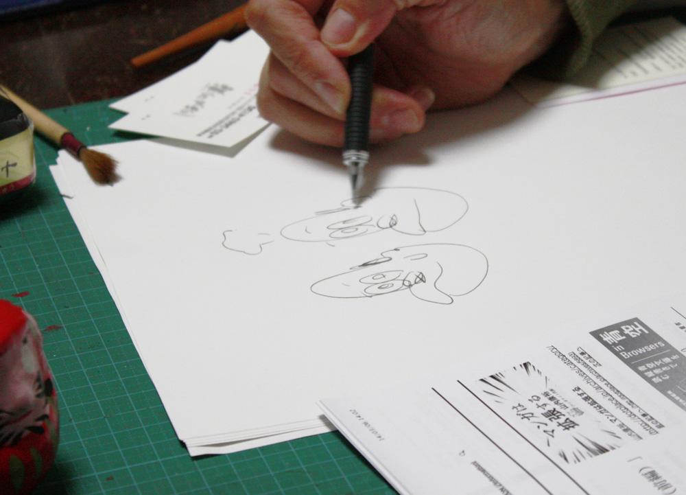 通常通りに描いたキャラクター(手前)と、急いで描いた荒いタッチのキャラクター(奥)