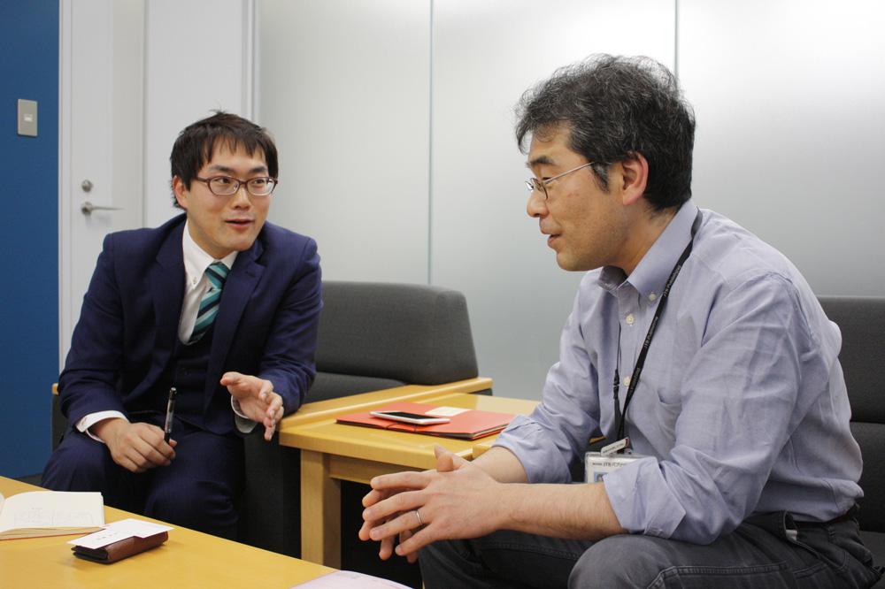 (左から)JTBパブリッシング 情報戦略部 企画課 青木洋高さん、執行役員 情報戦略部長 井野口正之さん