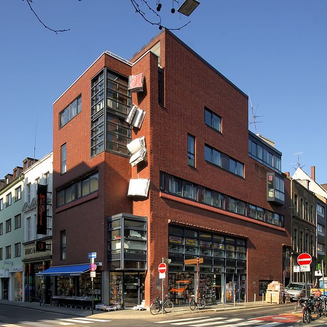 Buchhandlung Walther König[CC BY-SA 4.0]