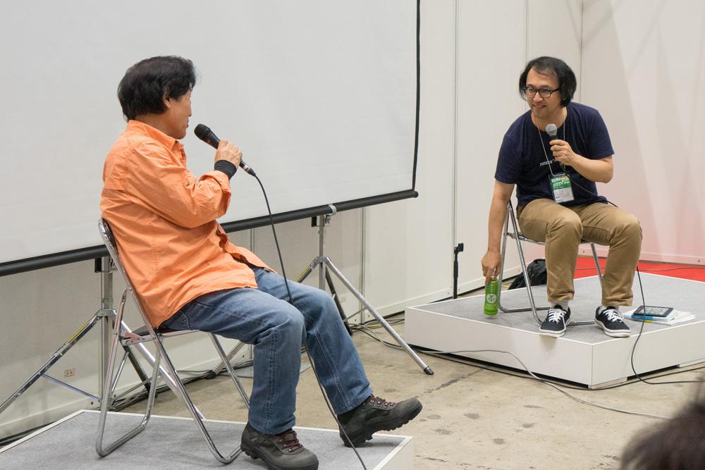 (左から)片岡義男さん、佐々木敦さん