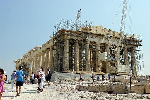 パルテノン神殿。エンタシスの技法が使われた代表的建造物[Wikimedia Commonsより]